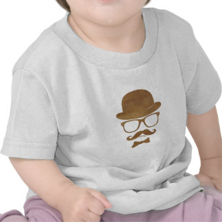 Arte pop de los vidrios del bigote de derby del in camiseta