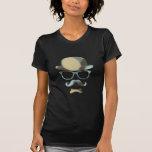 Arte pop de los vidrios del bigote de derby del in camisetas
