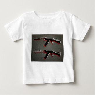 Arte pop del rifle de asalto de AK47 Playera De Bebé