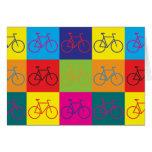 Arte pop que monta en bicicleta felicitacion