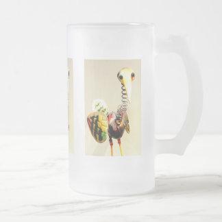 Arte popular de la grúa del pájaro del metal del jarra de cerveza esmerilada