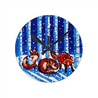 Arte popular de los árboles de abedul del Fox rojo Reloj Redondo Mediano
