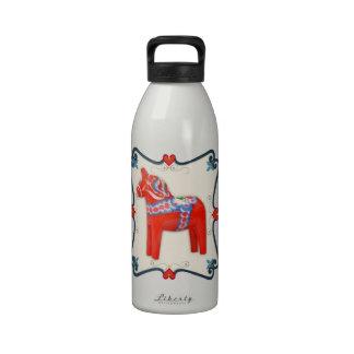 Arte popular del caballo de Dala del sueco enmarca Botella De Agua Reutilizable