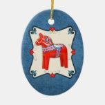 Arte popular del caballo de Dala del sueco enmarca Ornamento De Navidad