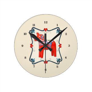Arte popular del caballo de Dala del sueco Reloj Redondo Mediano
