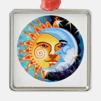 arte popular del sol de la luna. colorido adorno navideño cuadrado de metal
