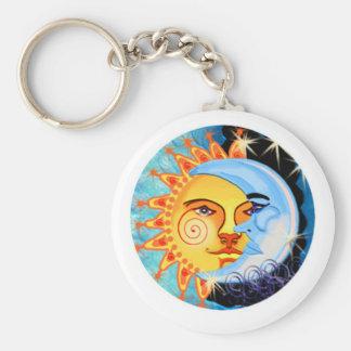 arte popular del sol de la luna. colorido llavero redondo tipo pin