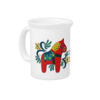 Arte popular escandinavo de los caballos jarra de beber