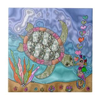 Arte psicodélico del Seahorse de la tortuga de mar Azulejo Cuadrado Pequeño