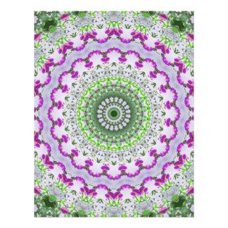 "Arte púrpura 4 del caleidoscopio del Wildflower Folleto 8.5"" X 11"""