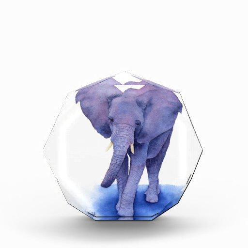 ¡arte púrpura de la acuarela del elefante en artíc