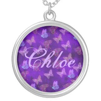 Arte púrpura de la mariposa colgante redondo