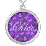 Arte púrpura de la mariposa collares