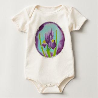 Arte púrpura del batik de la flor del iris mameluco