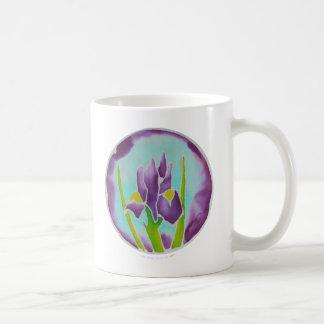 Arte púrpura del batik de la flor del iris taza de café