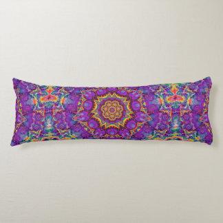 Arte púrpura del caleidoscopio del arco iris de la almohada