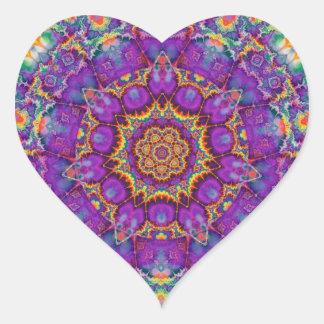 Arte púrpura del caleidoscopio del arco iris de la pegatina en forma de corazón