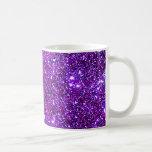 Arte púrpura púrpura de la ilusión óptica de la taza básica blanca