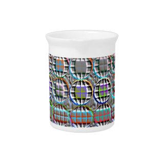 Arte redondo grabado en relieve del círculo de la jarra de beber