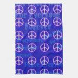arte retro del signo de la paz de los años 60 toallas