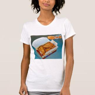 Arte rojo del anuncio del pollo frito del granero  camisetas