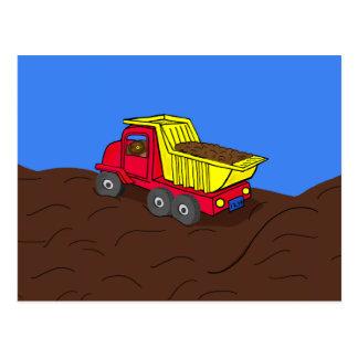 Arte rojo y amarillo del camión volquete del dibuj tarjeta postal