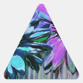 Arte rosado azul de la flor de la margarita pegatina triangular