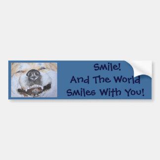 arte sonriente lindo divertido del perro del reali etiqueta de parachoque