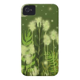Arte verde de Fantasty del claro de luna iPhone 4 Case-Mate Fundas