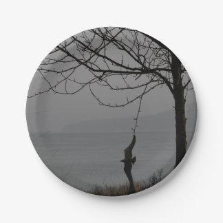 Arte y árbol del pájaro plato de papel de 7 pulgadas