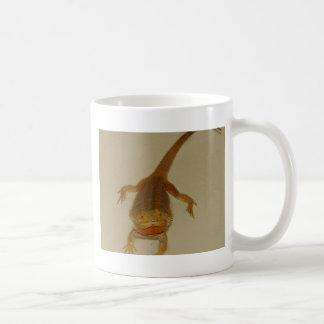 Artemis el dragón barbudo taza clásica