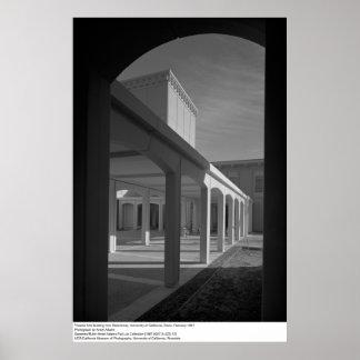 Artes del teatro que construyen de Breezeway, UCD Póster