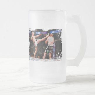 Artes marciales mezclados - un retroceso a la taza de cristal