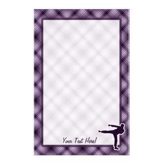Artes marciales púrpuras  papeleria de diseño