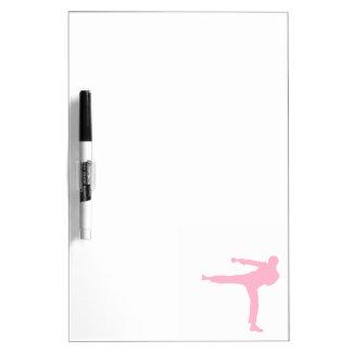 Artes marciales rosas claros tablero blanco