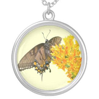 Artículo de la mariposa de Swallowtail del tigre ( Colgante Redondo