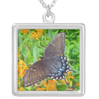 Artículos oscuros de la mariposa de Swallowtail de Colgante Cuadrado