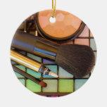 Artista de maquillaje adorno navideño redondo de cerámica