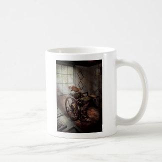 Artista gráfico - la prensa humilde taza