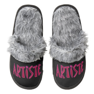 Artiste Gray Fuzzy Slippers Pair Of Fuzzy Slippers