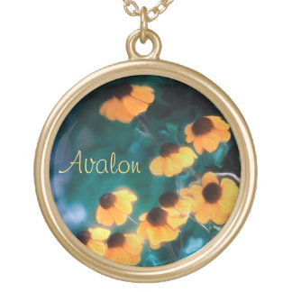 Artistic Daisies Floral Gold Chain Name Necklace