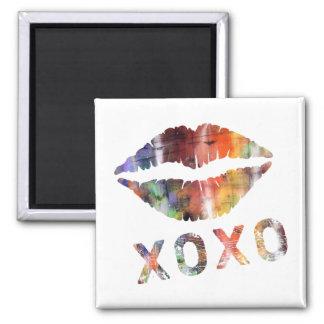 Artistic Kiss Magnet