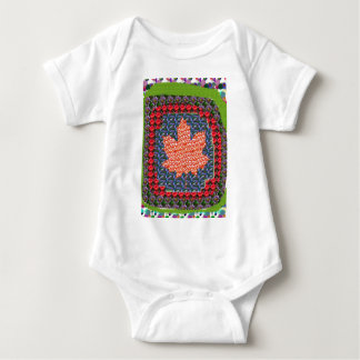ARTISTIC vers PROUD Canadian MAPLE LEAF lowprice Baby Bodysuit