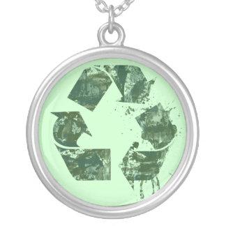 Artístico recicle el símbolo colgante redondo