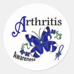 Artritis de la mariposa 2 del vitral etiquetas redondas