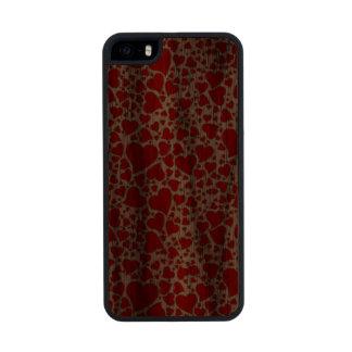 Artsy Holiday Hearts Carved® Walnut iPhone 5 Slim Case