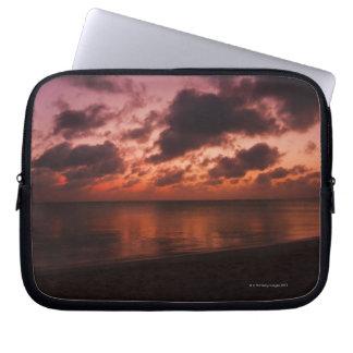 Aruba, mar en la puesta del sol manga portátil
