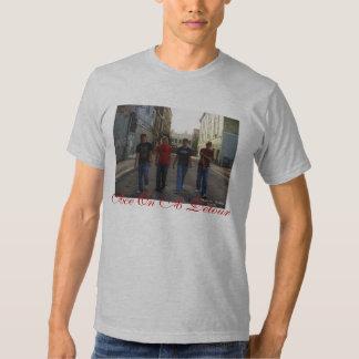 As en una camiseta cabida desvío camisas