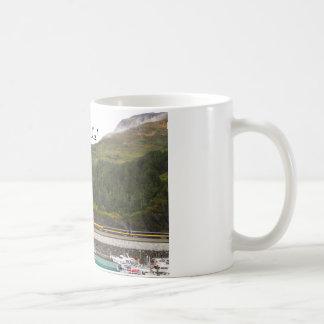Asalte con la foto de montañas de Alaska, tren Taza Clásica
