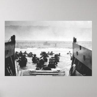 Asalto de la playa en la pintura del día D Posters
